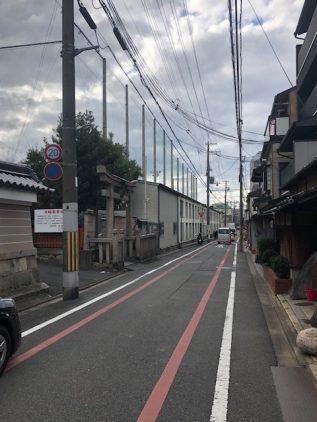 前面道路(蛸薬師通り)